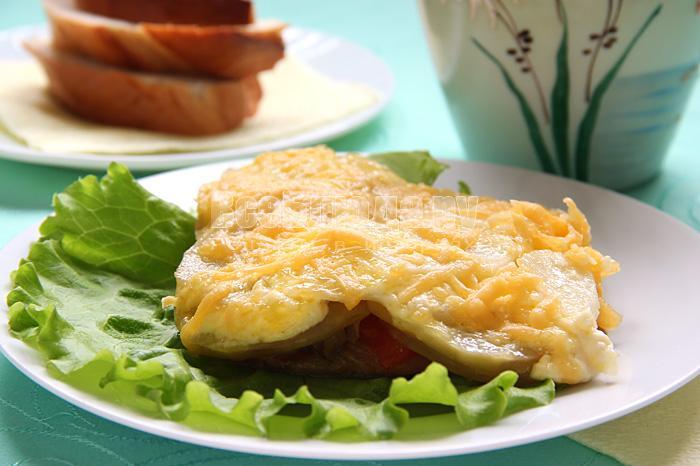 Как приготовить свинину по-французски с картофелем и грибами