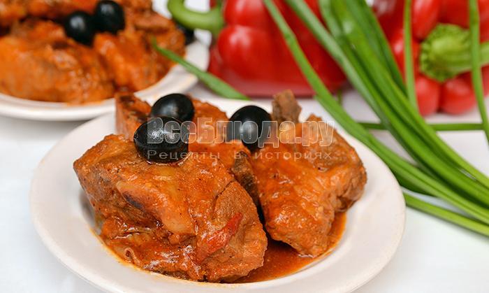 Как приготовить свиные ребрышки в остром томатном соусе