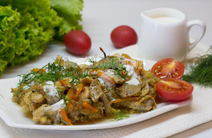 Курица с грибами, запеченная в духовке в кефире