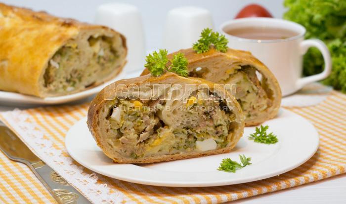Дрожжевой пирог с рыбной начинкой (тунец, картошка, яйца, зелень)