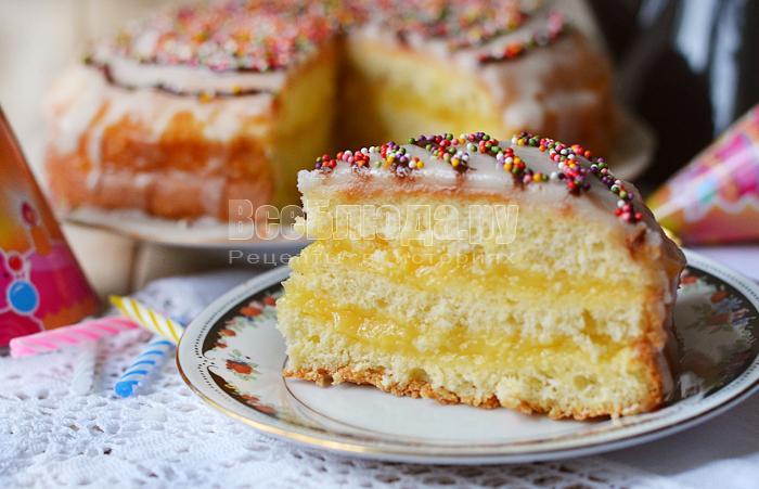 Бисквитный торт с лимонным кремом