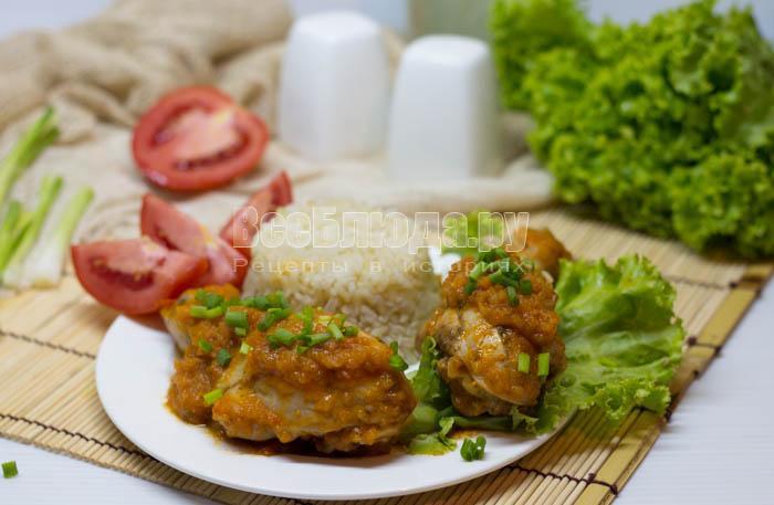 Куриные голени тушеные в овощной икре с кабачком