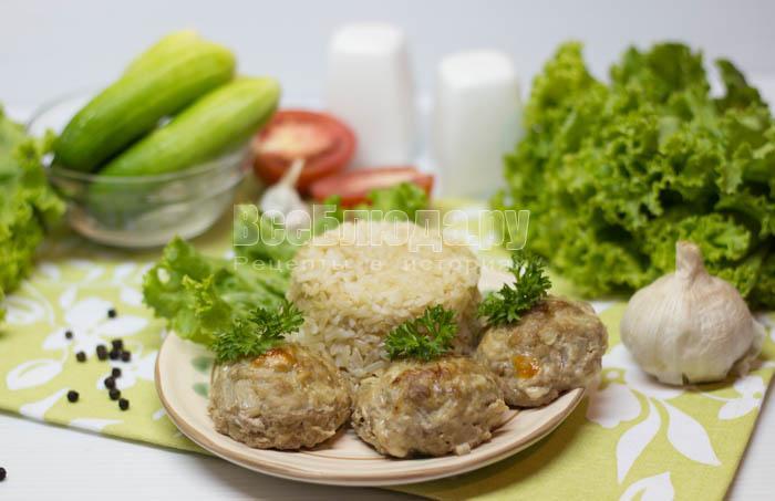 Мясные шарики с сыром (в духовке)