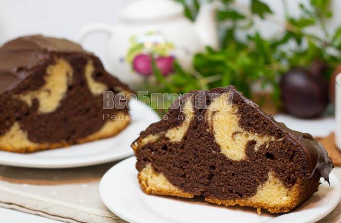 Мраморный кекс на молоке в шоколаде