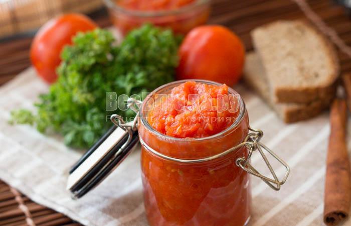 Домашний кетчуп из помидоров с пряностями