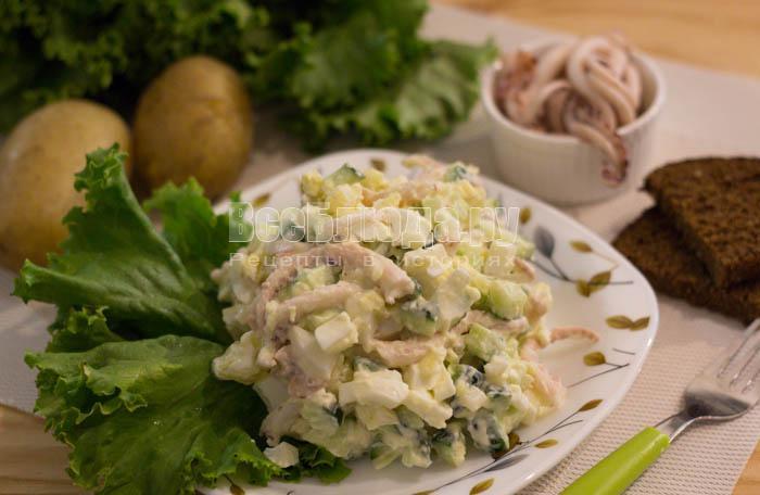 Салат с щупальцами кальмара консервированного