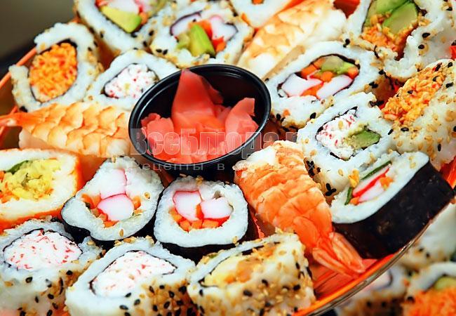 Почему суши заказывают в Макароллыче?