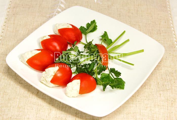 Закуска Букет из помидор и творога – праздничный рецепт на 8 Марта