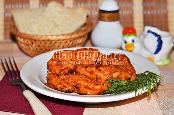 Куриное филе в томатном соусе с мятой