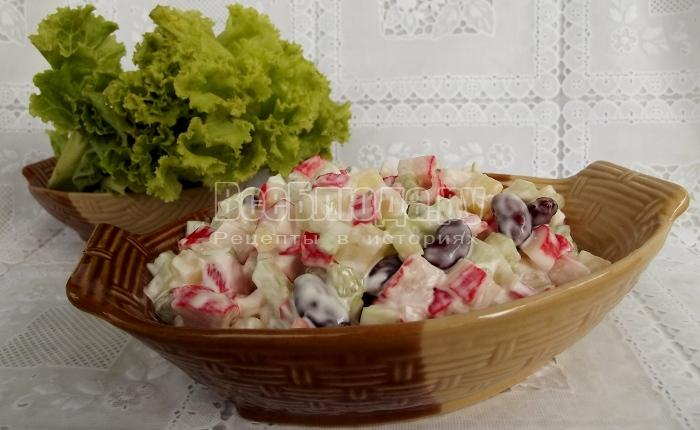 Салат с ананасом и огурцами