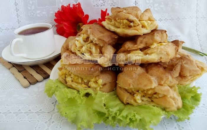 Рецепт профитролей закусочных с яйцом и луком