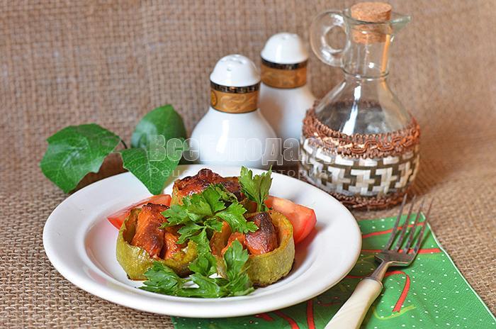 Запеченные кабачки с мясом (кабачковые бочонки, фаршированные мясом)