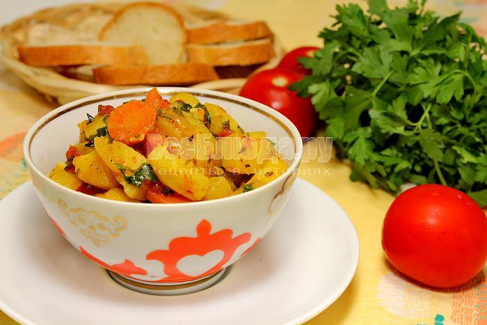 Летнее рагу из молодых кабачков, картошки, помидоров