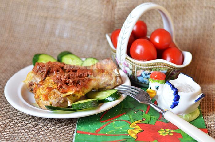 Запеченная курица с сыром и приправами