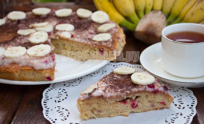 Рецепт бананового пирога с брусникой