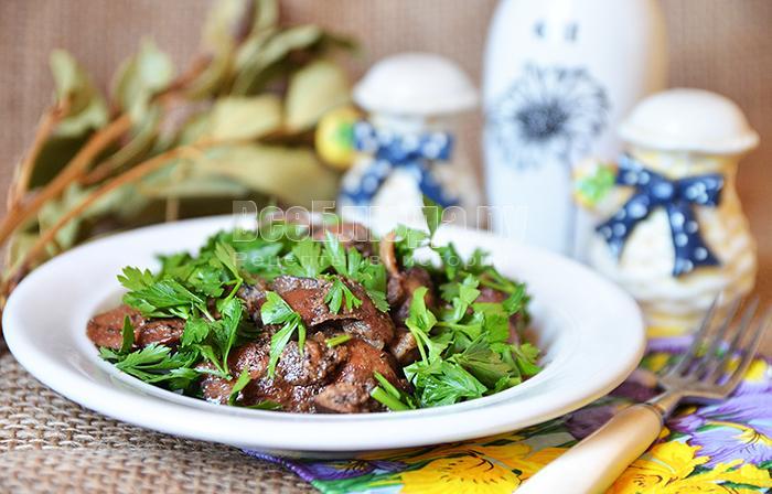 Куриные сердечки и печень с мятой и зеленью - рецепт с пошаг