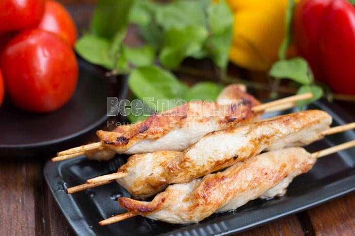 Рецепт куриного филе в соевом соусе - жарим на сковороде на шпажках