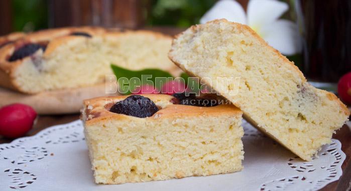 Рецепт простого пирога с черешней (или другой ягодой)