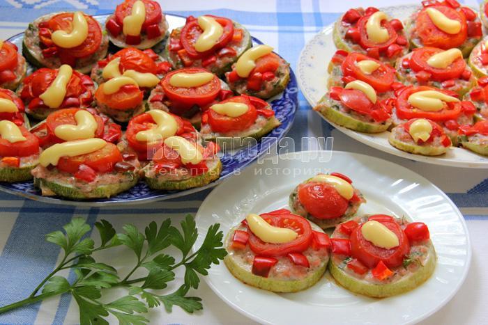 Рецепт запеченных кабачков с фаршем, перцем и томатами
