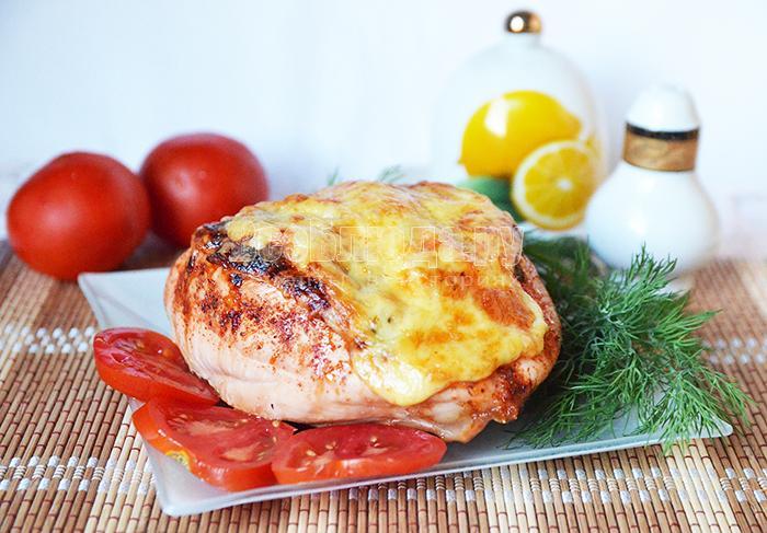 Куриная грудка фаршированная ананасами под сырной корочкой