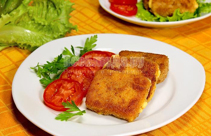 Рецепт жареного сыра в панировке (в сухарях)