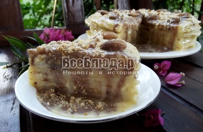 Торт Наполеон на сковороде с орехами