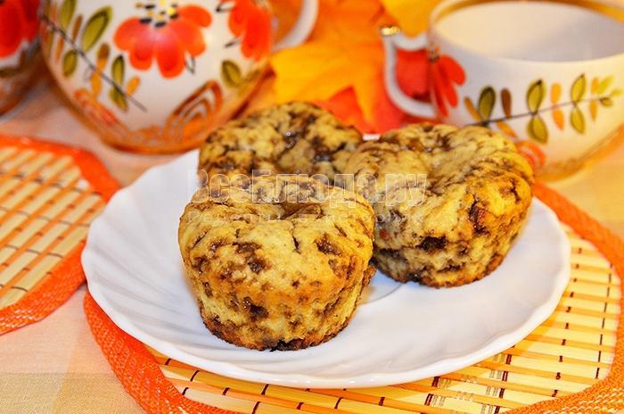 Кексы с шоколадным щербетом и орешками