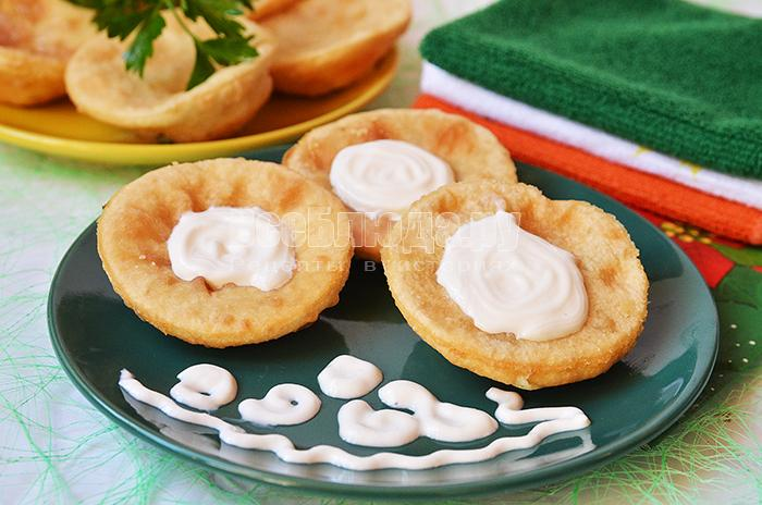 Пирожки бомбочки с картошкой и паштетом