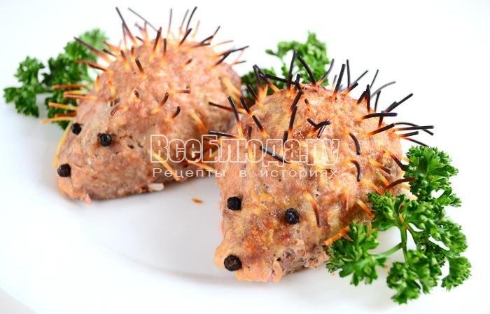 Мясные зразы с яйцом внутри в виде Ежиков