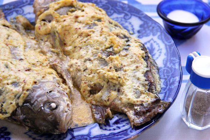 рецепты с рыбы в духовке карась в