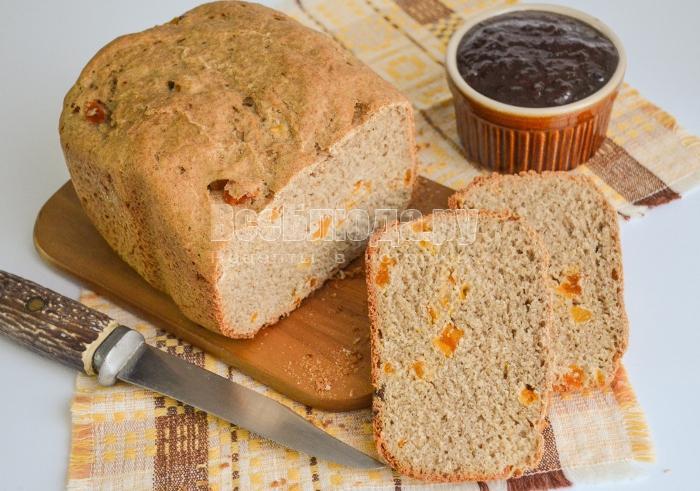 Пшенично-ржаной хлеб с курагой