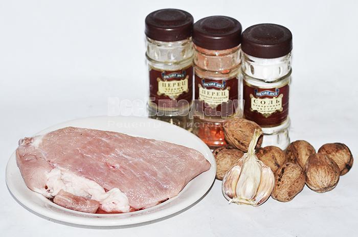 необходимые ингредиенты для рецепта карбоната из свинины в духовке: