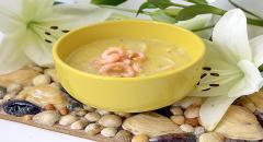 Как приготовить суп с креветками и сыром