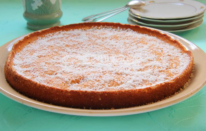 простой кефирный пирог