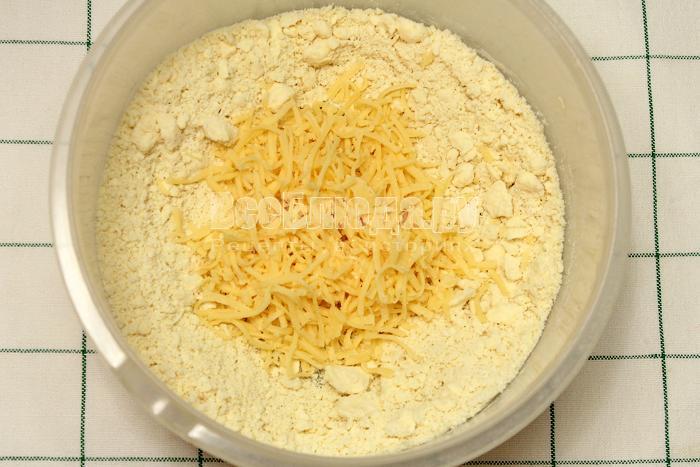 Добавили сыр в тесто