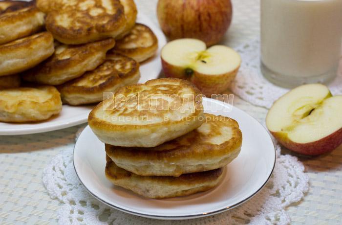 как приготовить яблочные оладушки