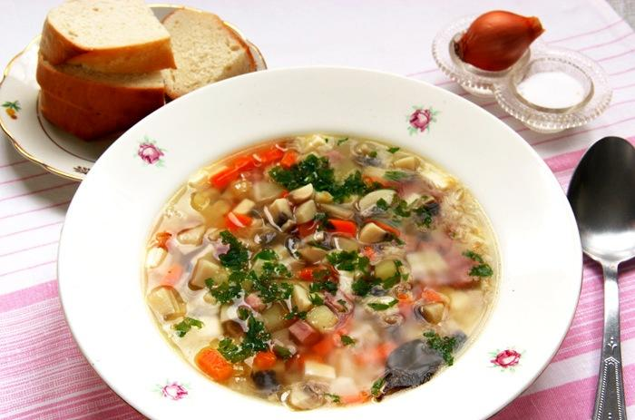 Суп грибной с плавленным сыром и ветчиной