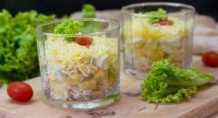 Как приготовить салат с ананасами и куриной грудкой в стаканах
