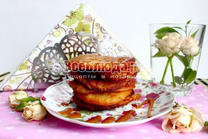 готовые оладьи из овсянки и манки с топпингом
