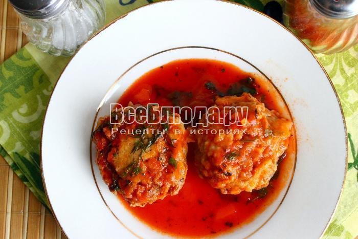 Котлеты из мяса телятины с сыром в томатном соусе