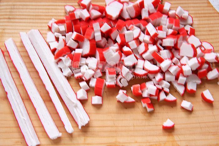 Тарталетки с крабовыми палочками и орехами
