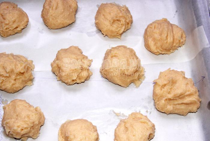 Пирожные Лакомка с вареной сгущенкой в помадке