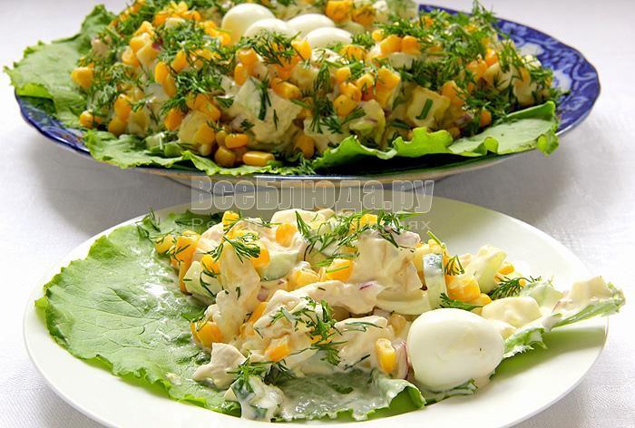 Салат Гнездо перепелки (курица, картофель, яйца, огурец, кукуруза, зелень)