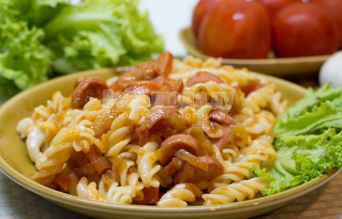 как приготовить макароны с сосисками