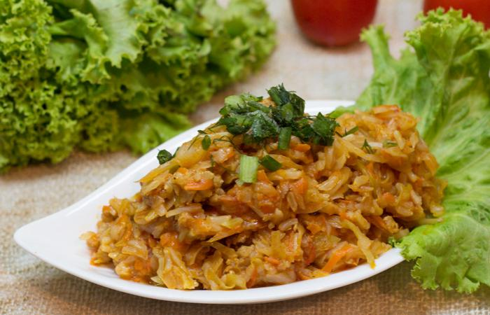 Солянка (тушеная капуста) с фаршем и рисом