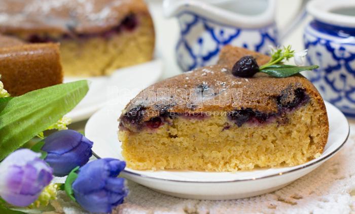 рецепт пирога с малиной на кефире в духовке