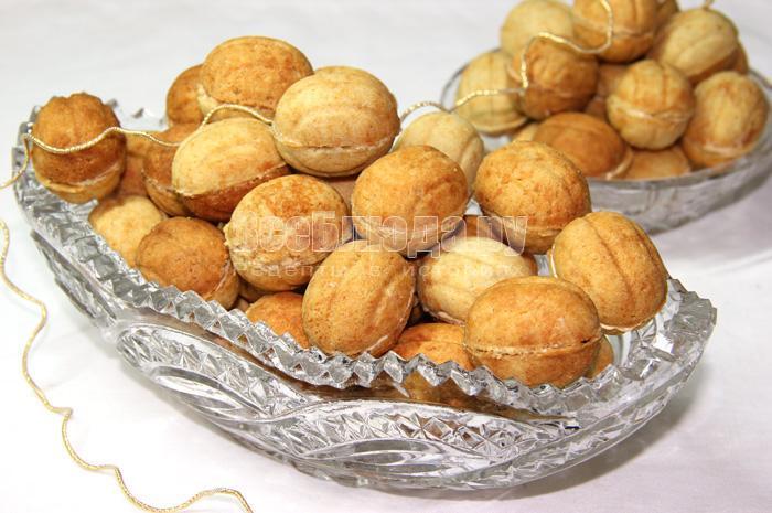 Домашние орешки с вареной сгущенкой