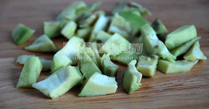 порезать авокадо