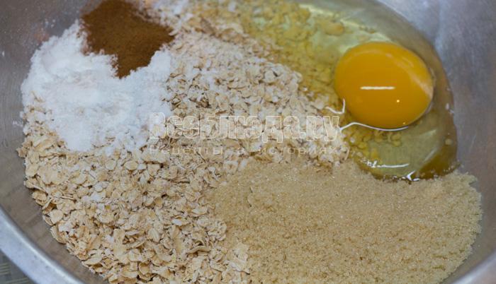 овсянка, сахар, яйцо, корица