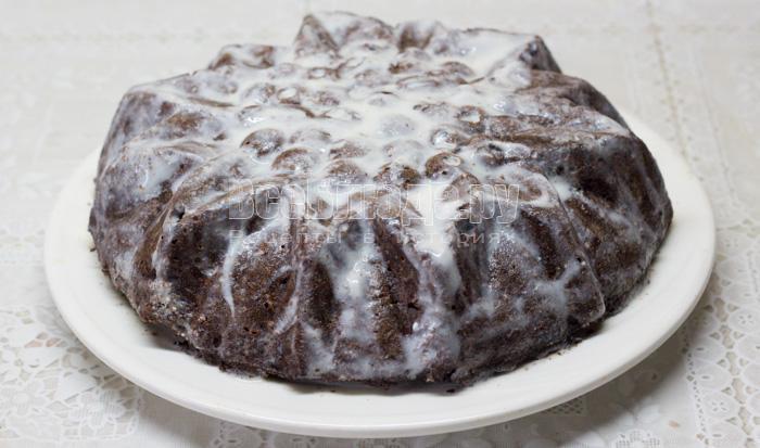 смазала кабачковый пирог сметаной